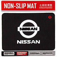 Авто коврик на панель Nissan 135x190mm