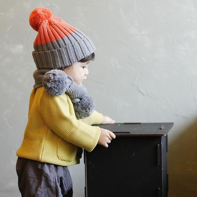 Дитячий демісезонний в'язаний комплект: шапка і хомут
