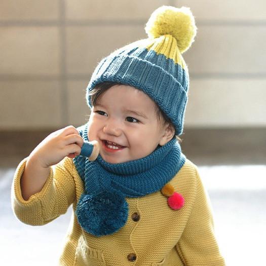 Детский демисезонный вязанный комплект: шапка и хомут