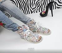 Стильные кожаные  летние ботинки с открытым носком на шнуровке, белые с узорами