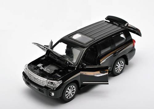 Машинка коллекционная Toyota Land Cruiser 200 Черная