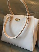 Стильная женская сумка D&G материал эко кожа, есть длинная ручка, размер 34*24 см. Цвет пудра