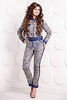 Брючный джинсовый костюм абстрактный принт