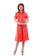 Костюм женский из льняной ткани cотделкой из кружева состоит из жакета и расклешенной юбки