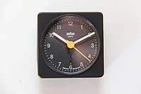 Будильник Braun BNC002. Classic Travel Alarm. Made in Gemany.