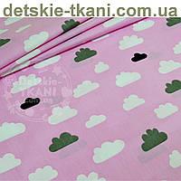 Ткань хлопковая с облаками серыми и белыми на розовом фоне  (№ 686а).