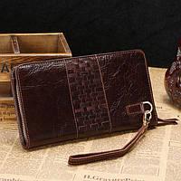Мужской кожаный клатч-портмоне с декоративным плетением коричневый 00308