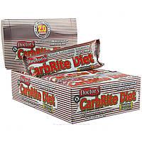Universal Nutrition, Диетические батончики без сахара с обжаренным кокосом Doctor's CarbRite, 12 батончиков, 2 унции (56,7 г) каждый, купить, цена,