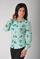 Женская рубашка в модный принт