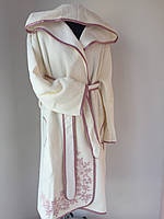 """Молочный халат с аппликацией и капюшоном тм """"Nusa"""""""