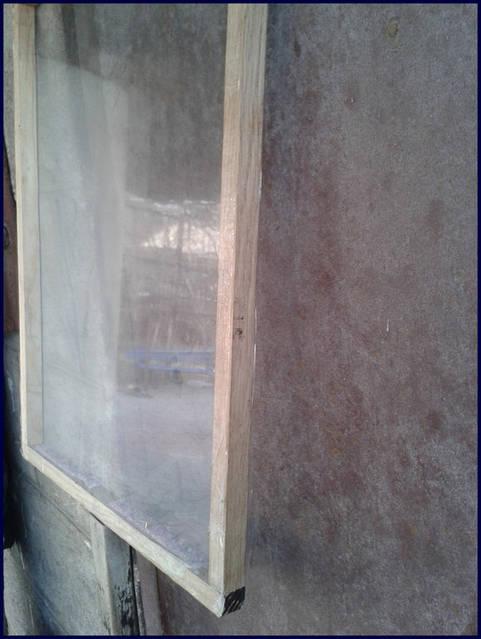 Термоизолирующие панели предназначены для удержания тепла или холода. Представляют собой панели с герметично закрытым воздухом со свойствами теплового барьера. Каркас может быть выполнен из дерева, металла, пластмассы и других материалов.