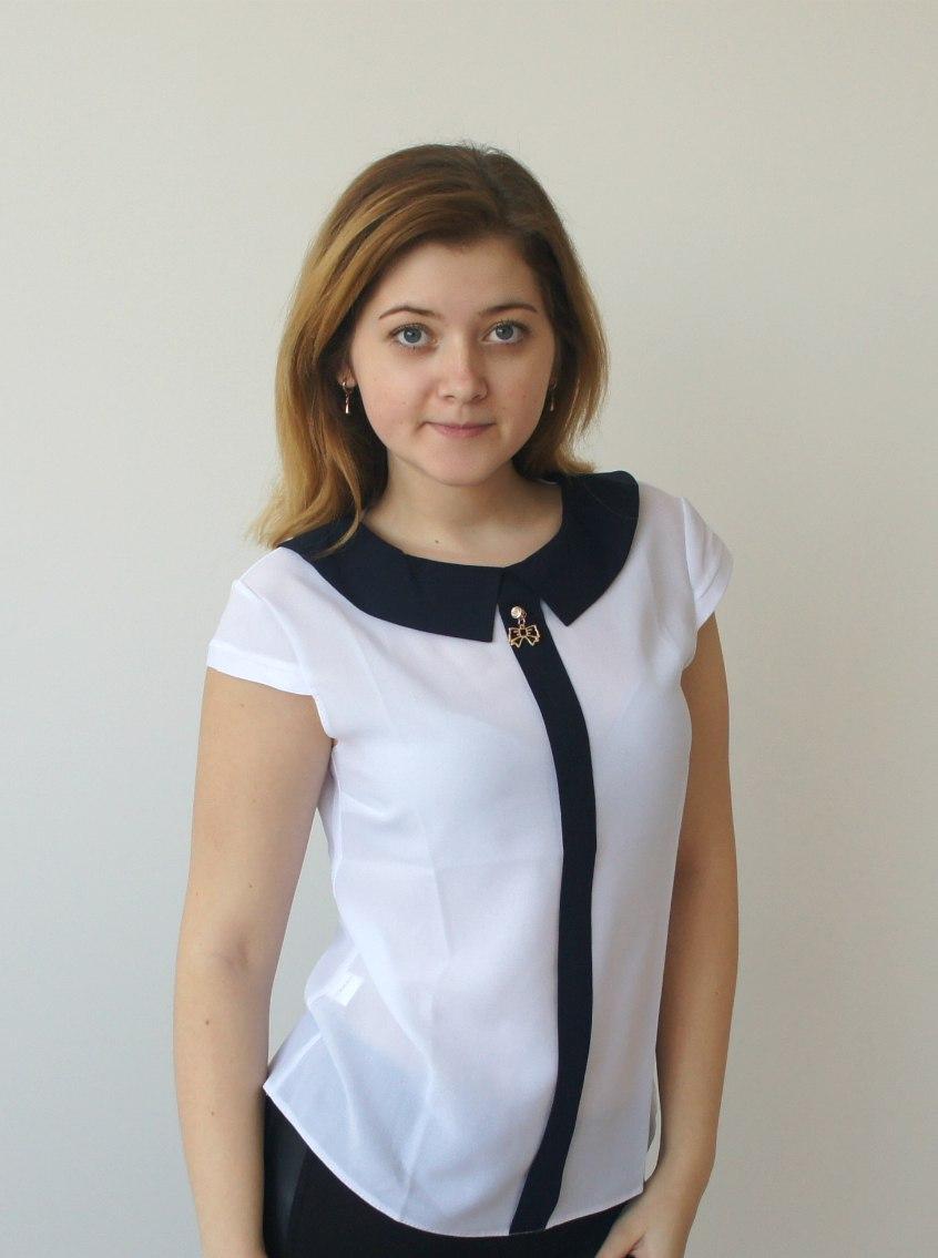 Легкая блуза из шифона белого цвета