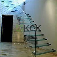 Стеклянные лестницы в частном доме