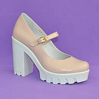 Женские кожаные туфли на высоком каблуке. Цвет пудра. 38 размер