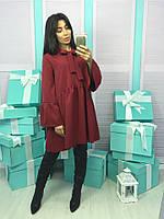Красное женское платье свободного кроя