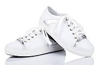 Кожаные женские кроссовки белый