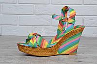 Босоножки женские на танкетке Valentino разноцветные, Разноцветный, 36