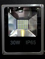 Светодиодный прожектор с энергопотреблением 30W,степенью защиты IP65
