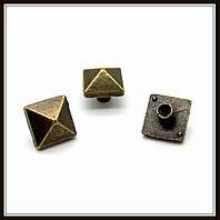 Декоративный элемент, бронза (0,8х0,8 см) 15 шт в уп