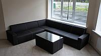 Офисный диван из кожзама с подлокотниками любого размера и любой конфигурации