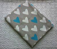 Пеленка фланель. Бело-голубые сердца на сером фоне.