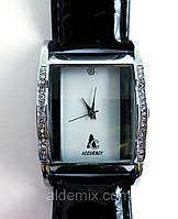 Часы женские, лаковый ремешок , фото 1