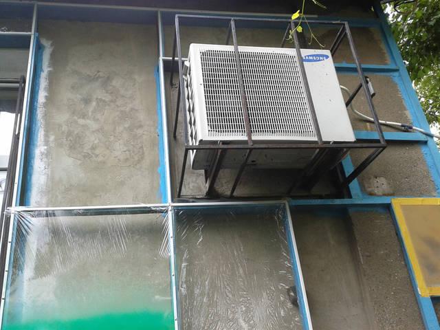 Водостойкость. Слой резиновой краски полностью защищает обрабатываемую поверхность от разрушающего воздействия влаги.