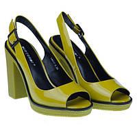 Как стоит выбрать девушке летнюю обувь?