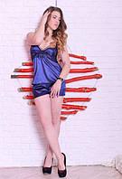 Шелковая пижама из топа и шортиков, синего цвета с черным кружевом