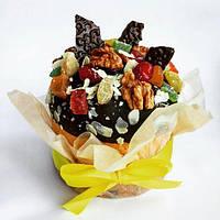 Паска с цукатами ,изюмом, вяленой вишней и шоколадной глазурью