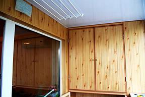 Шкаф имеет деревянный каркас.