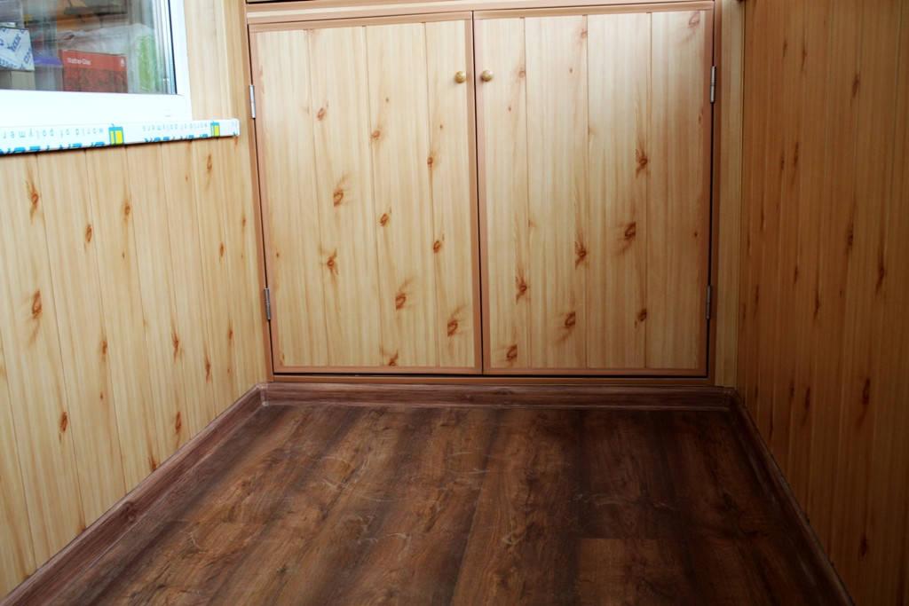 Деревянный пол с утеплением + укладка ламината.