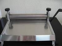 Тестораскатка (тестораскаточная машина) ручная Bat technology ТРМ- 400РН
