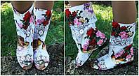 Модные цветные стильные тканевые женские сапожки с открытым носком и кружевными вставками. Арт-0165