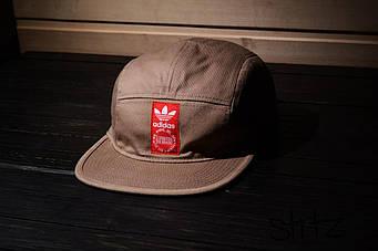 Пятипанельная кепка Adidas бежевая