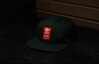 Пятипанельная кепка Adidas зеленая