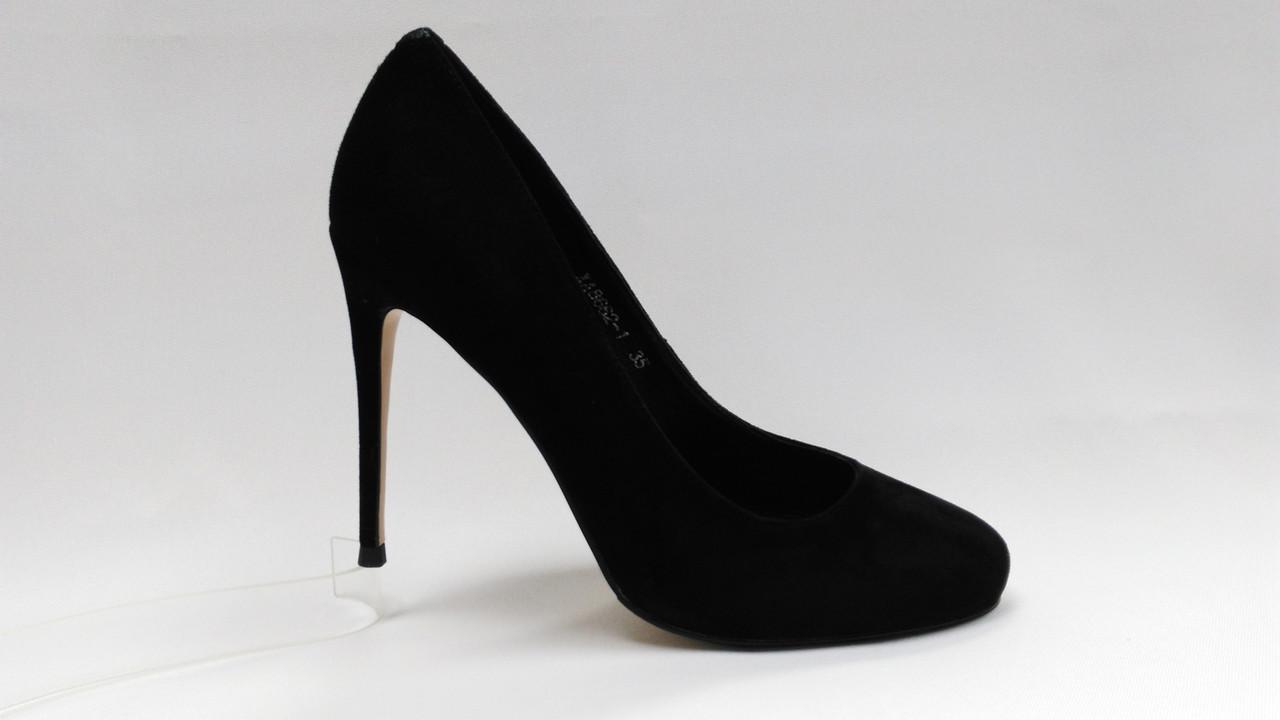 Черные нарядные замшевые туфли Еrisses на шпильке . Маленькие размеры.