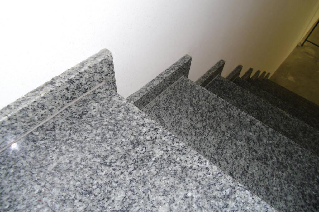 Ступени и камин из натурального камня, Киев.