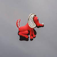 Брошь красная матовая эмаль Собачка 3*3см в стразах