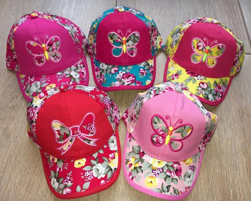 Кепка для девочки бабочка в розах