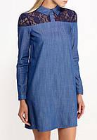 Модное джинсовое платье с кружевом на плечах