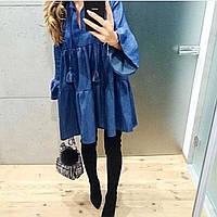 Стильное джинсовое платье свобного кроя с кисточками