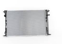 Радиатор охлаждения Audi A4 2008- (1.8-2.0 TFSI TDI АКП) 720*469 мм по сотах KEMP