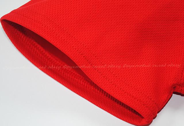Красная женская спортивная футболка