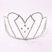 Корона металлическая на серебристой основе декорирована стразами