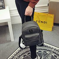 Модный серый рюкзак