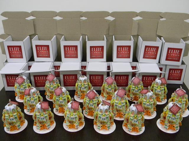 Упаковка резных свечей. Картонные коробки со свечами ручной работы.