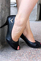 Туфли на каблуке с открытым носком