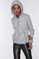 Молодежная женская куртка-ветровка с капюшоном