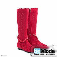 Эффектные женские летние сапоги Meideli Red из экозамши с перфорацией и декоративной косичкой красные